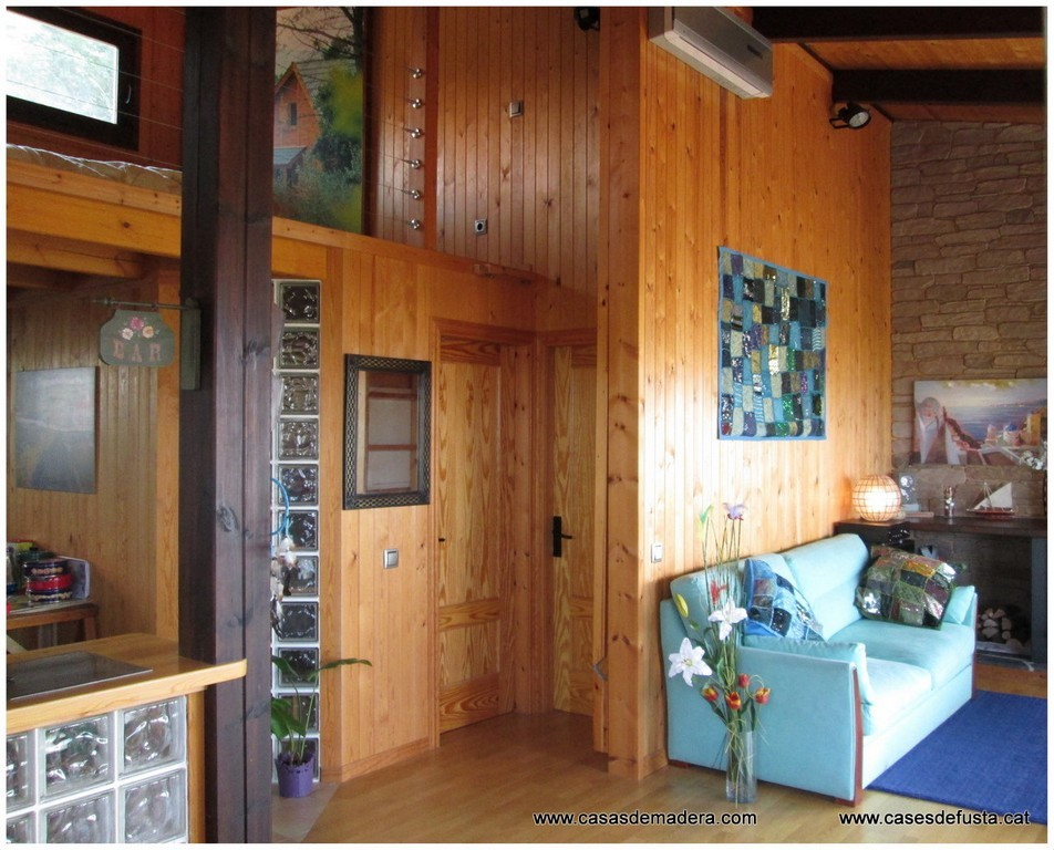 Primera empresa con sello de calidad aitim - Interiores casas de madera ...